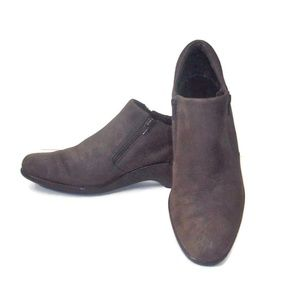 "Dexflex Brown ""Pundle Jumpers"" Suede Booties 8.5"